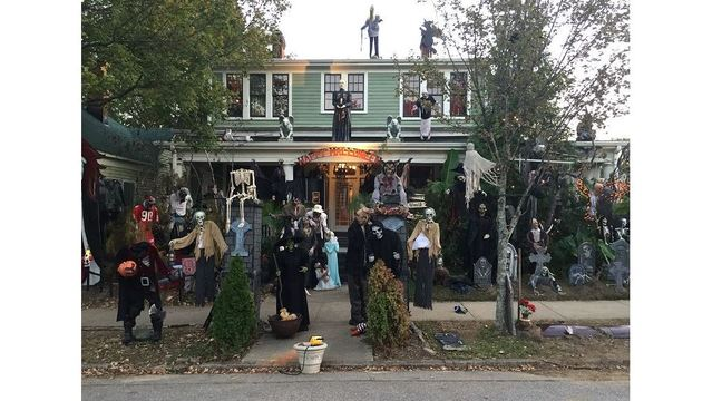 Raleigh Home To Attract Thousands With Elaborate Halloween Decorations