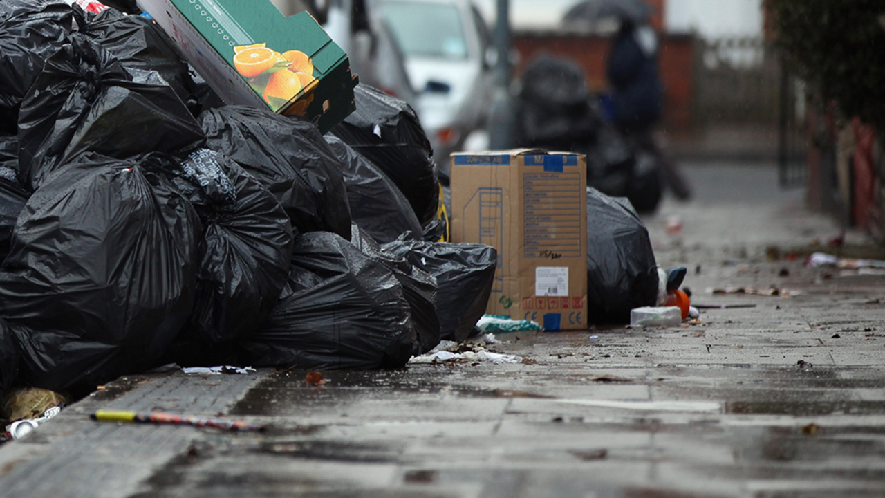 California City To Pay Homeless 15 Per Hour To Pick Up Street Trash