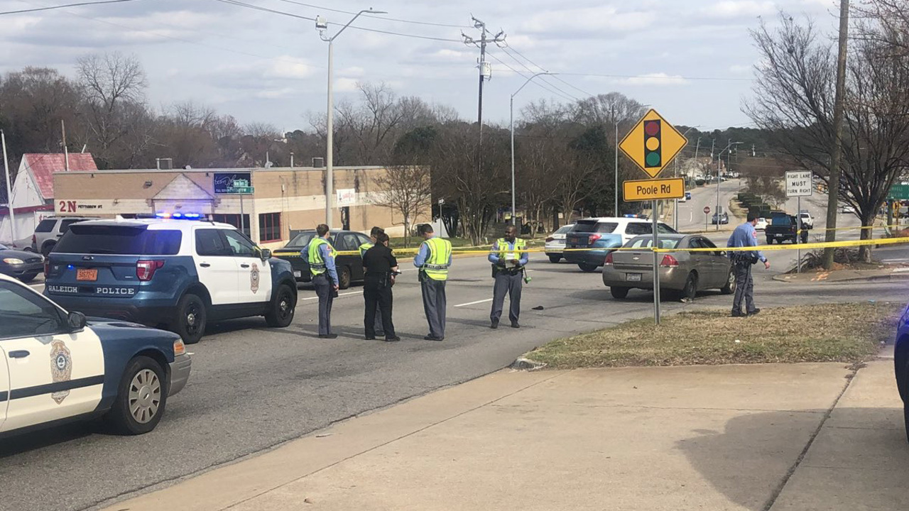 Pedestrian struck by vehicle on New Bern Avenue in Raleigh, police say