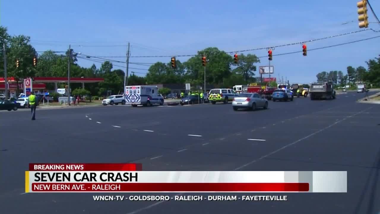 7-vehicle collision snarls traffic on Raleigh's New Bern