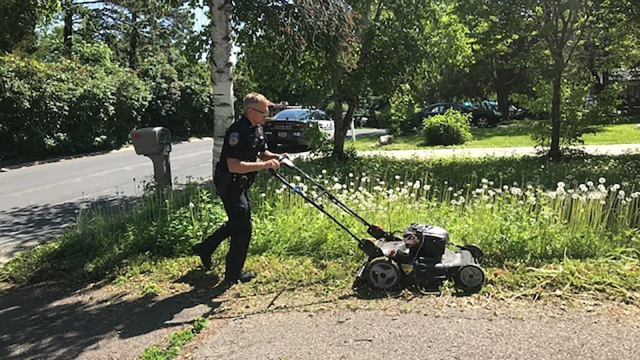 Officer responding to welfare check sees elderly woman's lawn is
